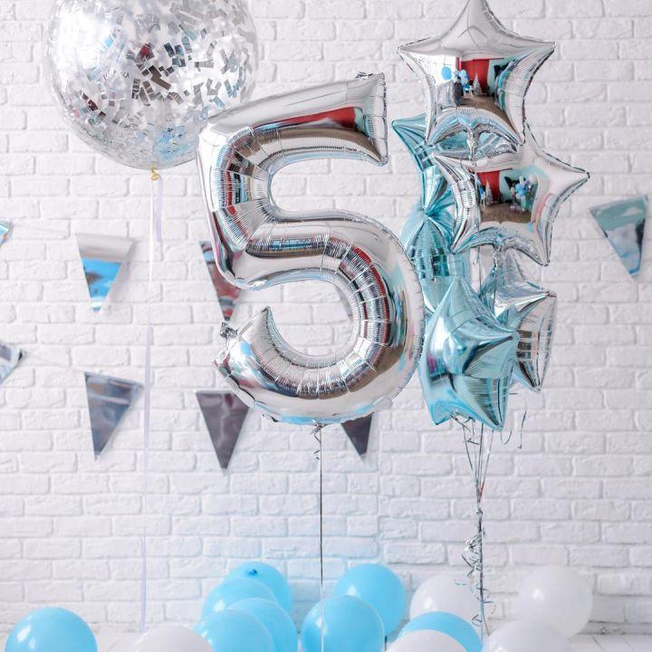 Композиция воздушных шаров на 5 годиков