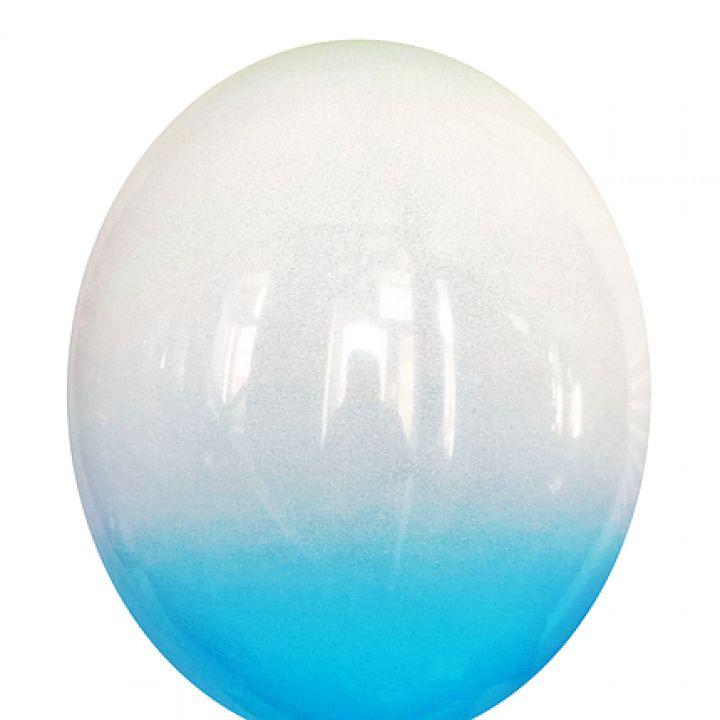 Омбре бело-голубое