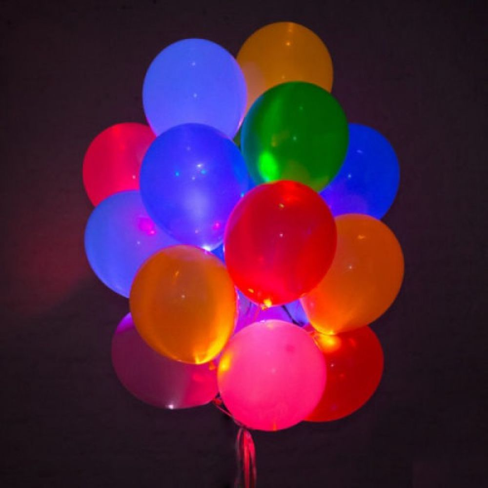 Композиция из 15 светящихся шаров