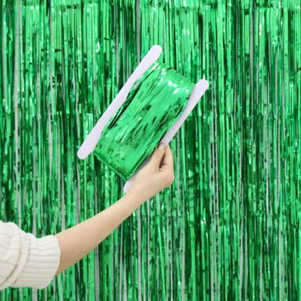 Штора для фотозоны зеленая 1х2м